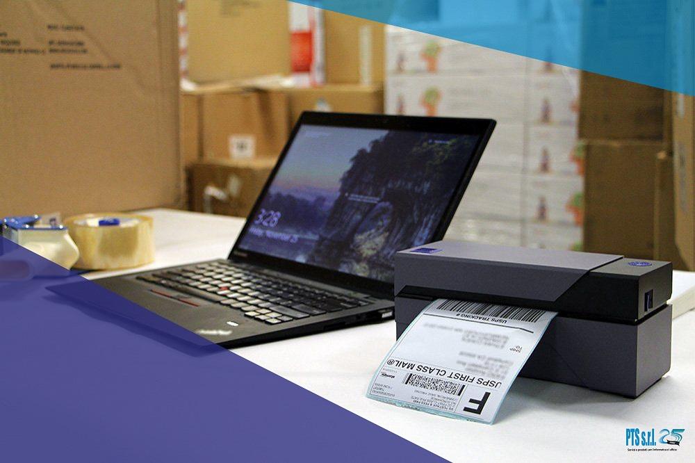 stampante etichette adesive formato desktop per stampa codici a barre logistica, spedizioni e gestione magazzino